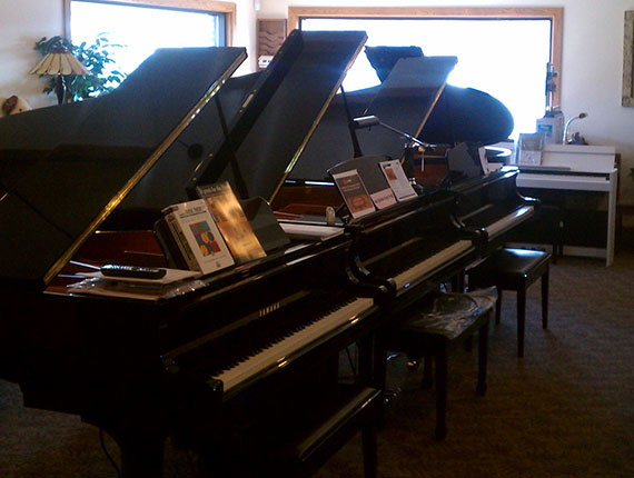 Pianos in our Altoona Store